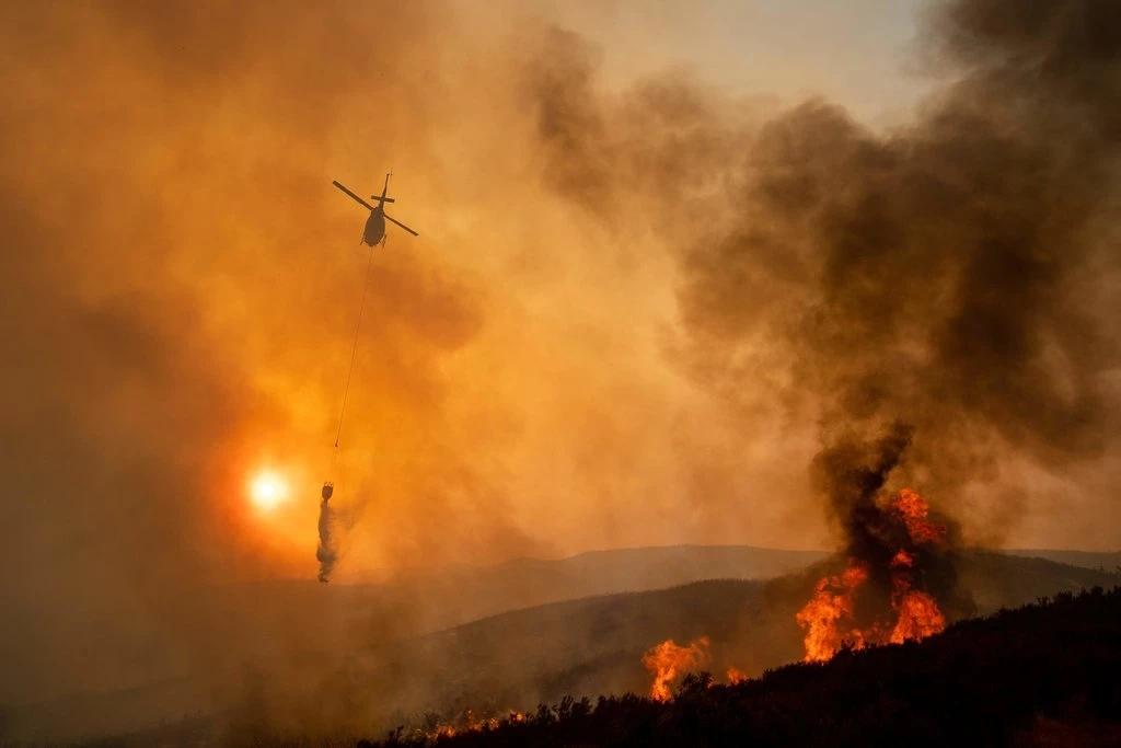 """加州山火恶化因""""水被流入太平洋""""?特朗普遭打脸"""