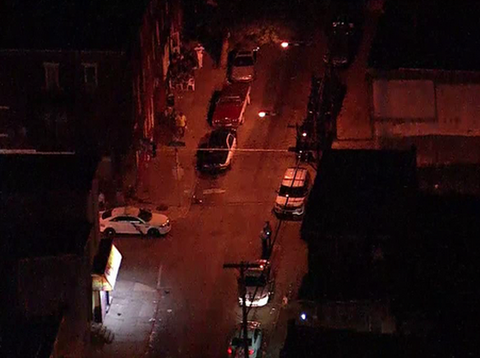 美国费城发生枪击案 枪手持大口径武器致2死4伤