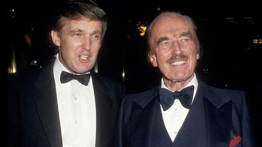 美国现任总统(左)和父亲弗雷德