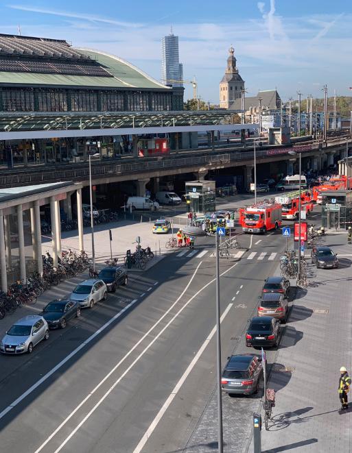德国科隆一火车站突发劫持人质事件 现场传枪声