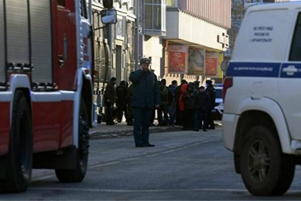 俄罗斯一联邦安全局大楼附近爆炸 被视为恐袭事件