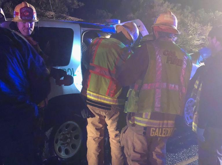 美国加州一州际公路上发生翻车事故 致3人死亡