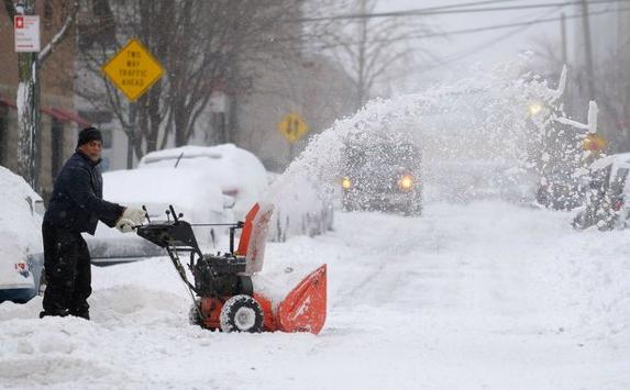 欧洲遭冬季风暴袭击 10天内21人死亡