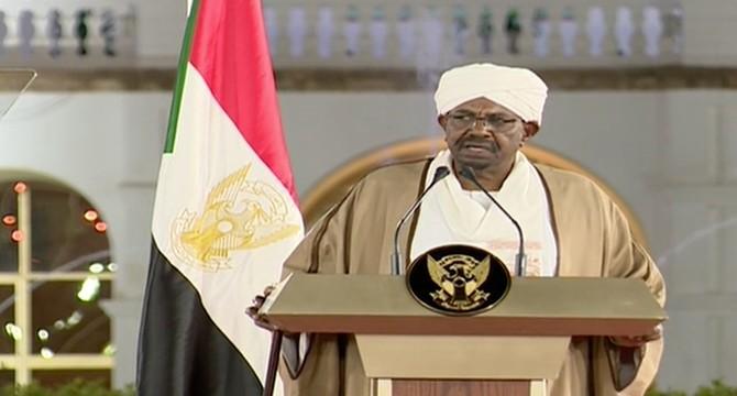 苏丹总统巴希尔发表电视讲话(图源:阿拉伯新闻网)