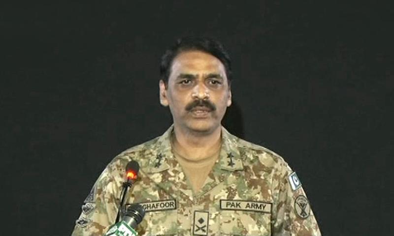 巴基斯坦军方:击落2架印度飞机 俘虏1名飞行员