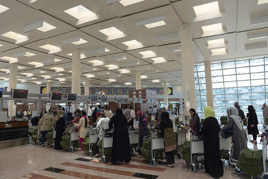 巴基斯坦暂停所有商业航班 印度关闭9个机场