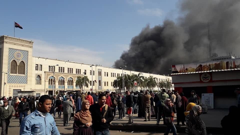 埃及开罗一火车站恶性爆炸引大火 致24人死亡50人受伤