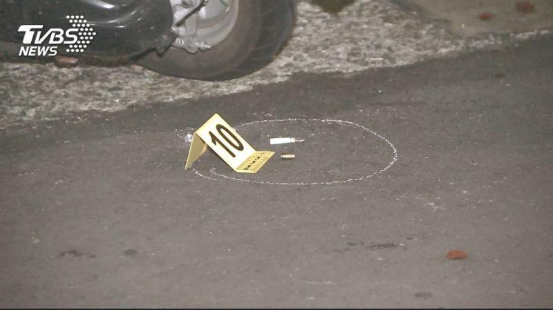 台湾新北市发生枪击案 嫌犯连开13枪致3人受伤