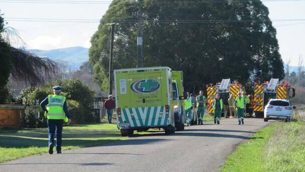 新西兰两架轻型飞机空中相撞起火 致2人丧生