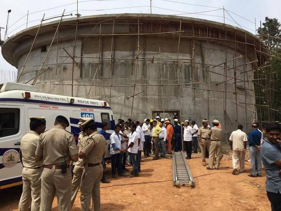 印度班加罗尔一在建水箱坍塌 致3人死亡