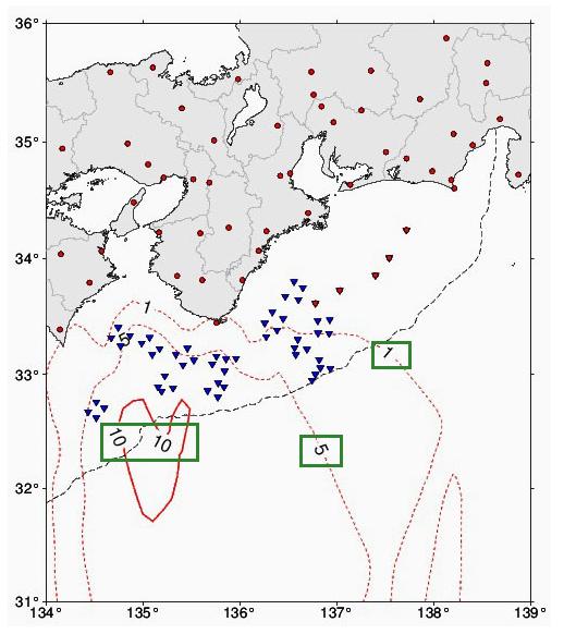 海底地震仪(蓝色倒三角)观测网示意图。图中绿框标出的数字表示一旦发生地震,最快可提早多少秒预报。(日本气象厅)