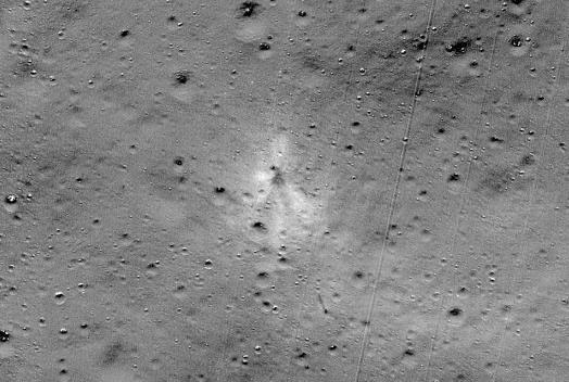 找到了!NASA发现印度月球着陆器坠毁地点 碎片清晰可见(图)