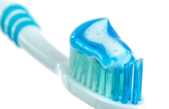 欧洲研究称每天刷牙3次以上 或可降低患心脏病风险