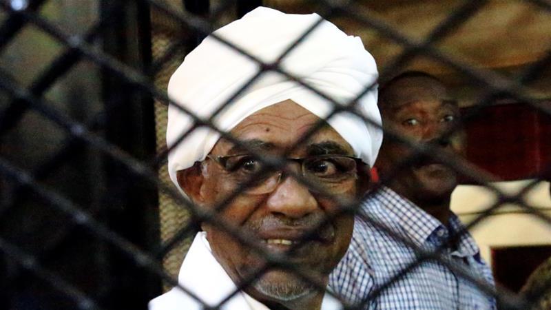苏丹前总统巴希尔因贪污罪被判软禁2年。(图源:路透社)