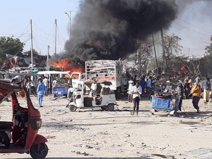 索马里首都遭汽车炸弹袭击 至少50人死 暂无组织宣称负责