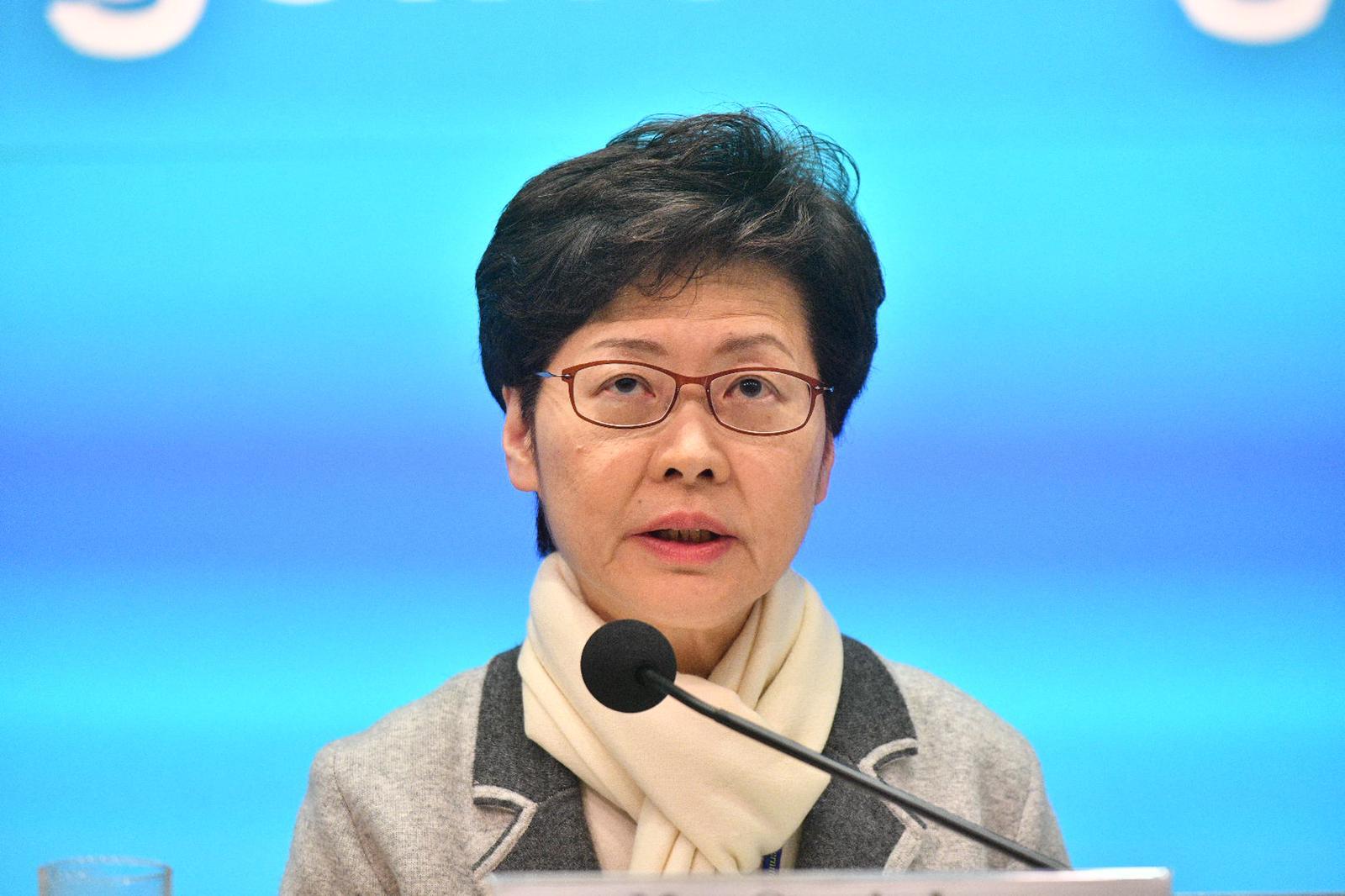 林郑月娥:无限期暂停来往武汉的航班和高铁