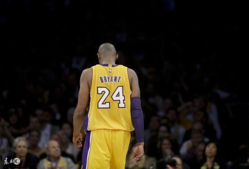 NBA巨星科比与女儿坠机身亡 特朗普:这真是个糟糕的新闻