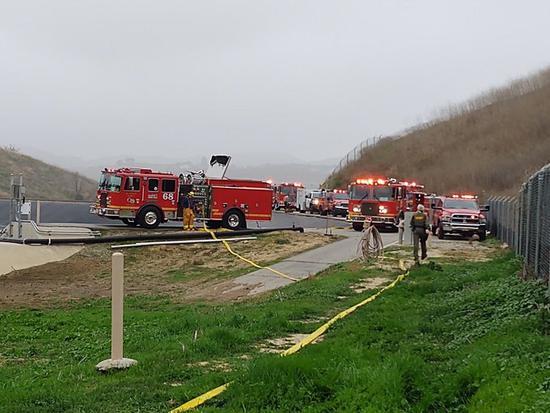 篮球巨星科比因坠机去世:共9人遇难 引发山火蔓延