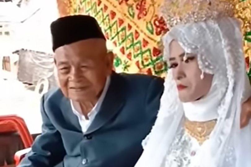 相差80岁!印尼百岁老人迎娶20岁女子,彩礼2500元
