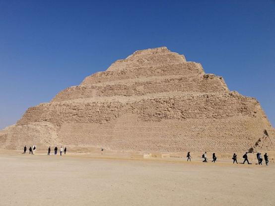 历经14年大修后,埃及最古老金字塔重新向公众开放