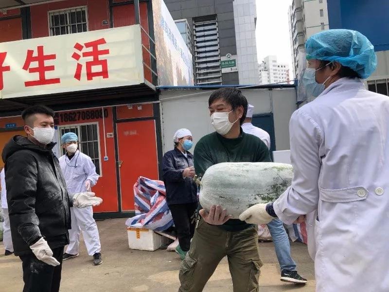 【华人战疫故事】加拿大华商支援抗疫:只要能帮到需要的人,我就满足了