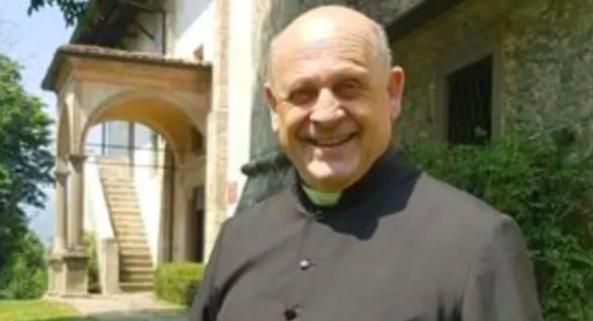 意大利72岁神父将呼吸机让给年轻人后去世,民众鼓掌致敬