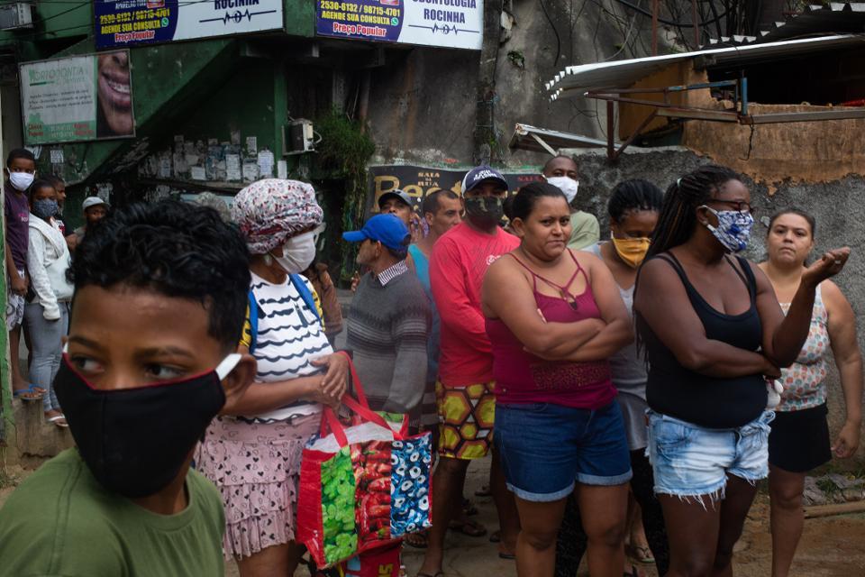 疫情下的巴西里约热内卢市贫民窟(图源:Getty)