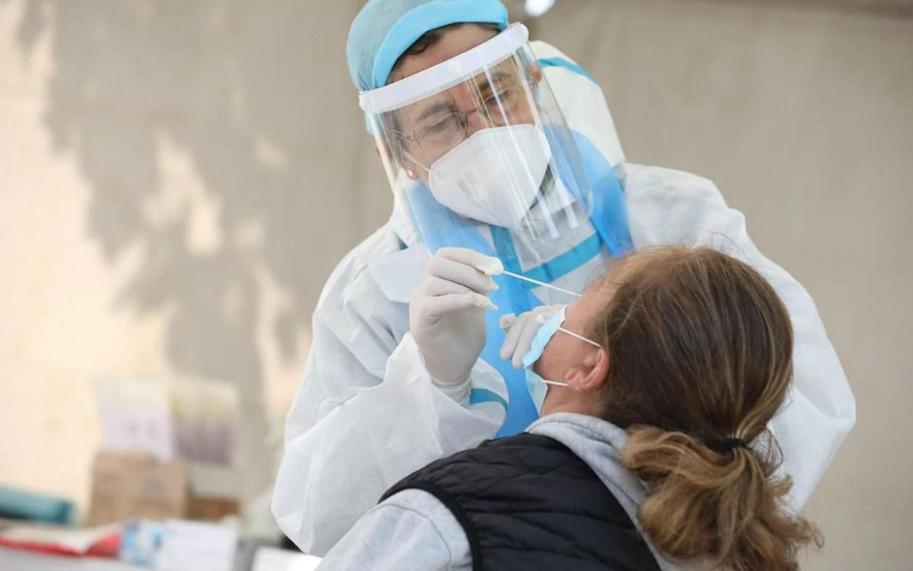 """巴黎大区30个城市将进行新冠病毒""""普查""""识别无症状感染者"""