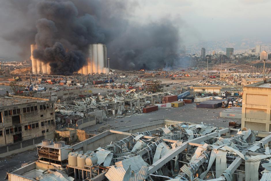 黎巴嫩爆炸案调查进展:逮捕16人,7名官员银行账户被冻结