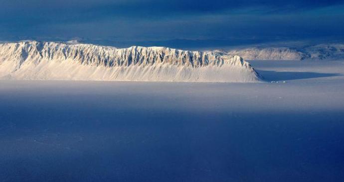 加拿大最后完整北极冰架坍塌 仅两天消失40%面积