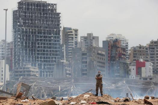 发生爆炸后的贝鲁特(图源:路透社)
