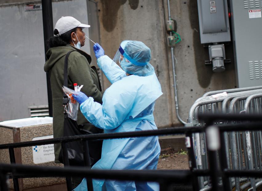 全球至少21个国家单日新增确诊病例数均超千例。(图源:美联社)
