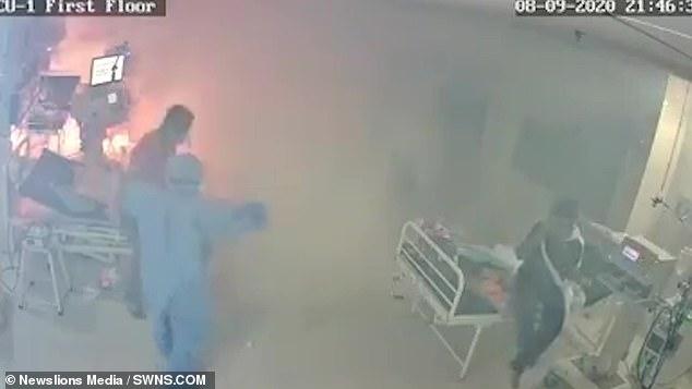 医护人员发现呼吸机有异样。(图:SWNS)
