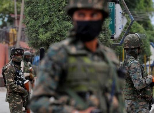 印度中央后备警察部队遭武装分子袭击 一名警官被打死