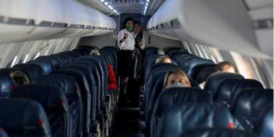 美国女子等待航班起飞时死亡。(图源:Getty)