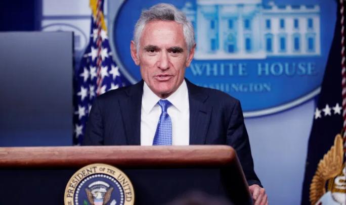 美媒:白宫医疗专家要求彭斯开除新任疫情顾问