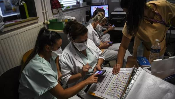 法国日增新冠患者逾5万例 地区封锁呼声渐高