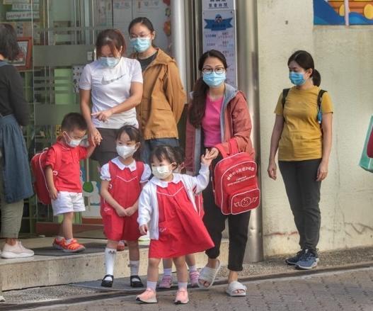 171家学校暴发上呼吸道感染 香港幼儿园停课14天