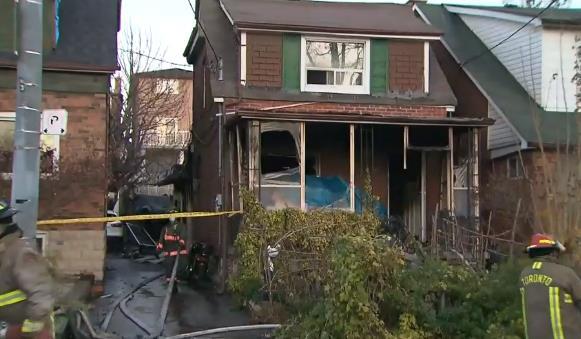 加拿大多伦多民宅起火致1死 1名消防员受伤被送医