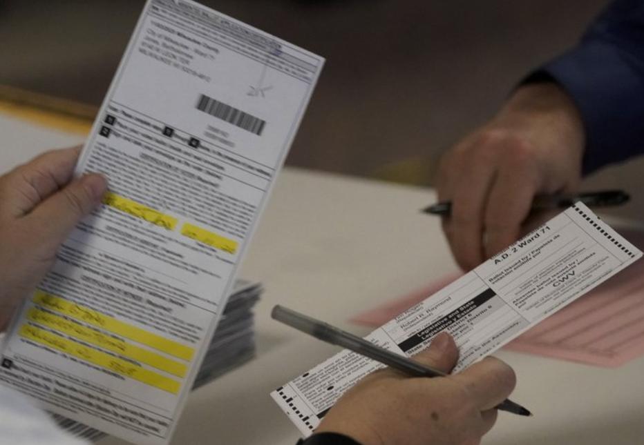特朗普团队已申请威斯康星州两个县重新计票 支付300万美元