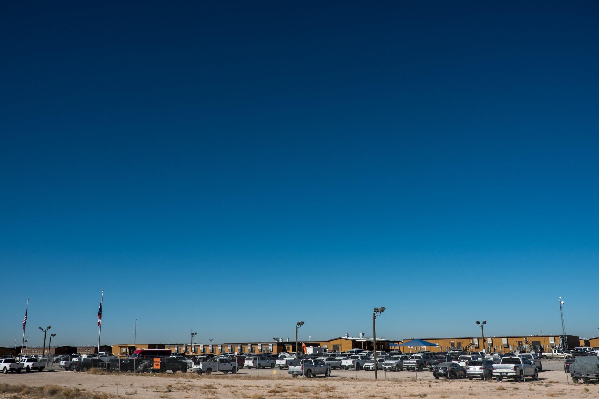 洛文县油田工人的营地(纽约时报)