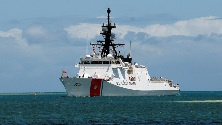 美国一海警船突发疫情返航,11名船员确诊,疫情源头不明