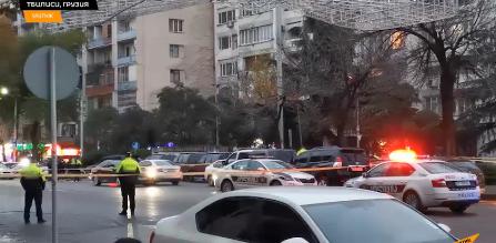 格鲁吉亚首都突发劫案:劫匪携手雷挟持9名人质
