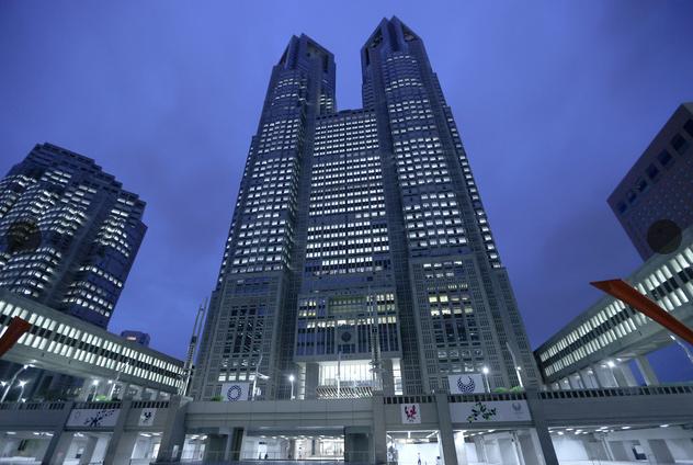 东京都厅(朝日新闻)