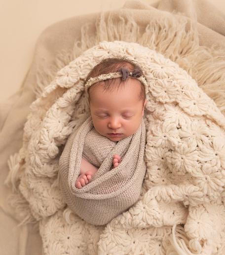 """27年前冷冻胚胎被""""唤醒"""",美国女婴顺利出生打破历史记录"""