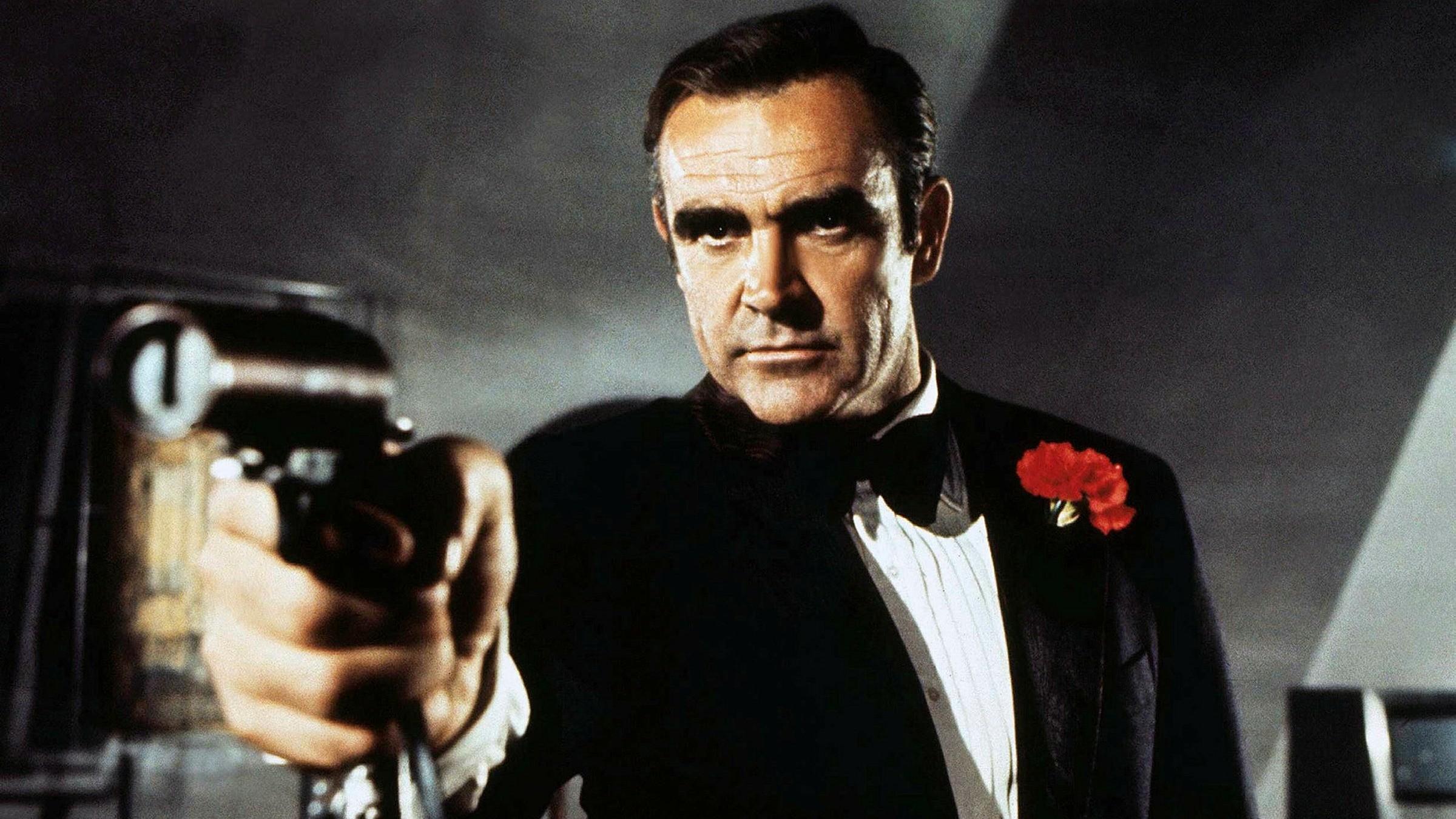 首部007电影中的道具枪高价卖出。(图/东森新闻云)