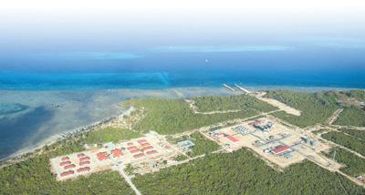 中企承建的坦桑尼亚天然气处理厂及管线输送项目于2015年10月竣工,实现输气发电,为促进当地发展作出了贡献。图为坦桑尼亚天然气处理厂。新华社发