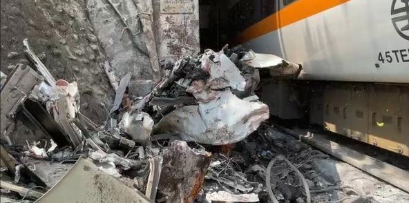 台铁出轨事故已致34人罹难