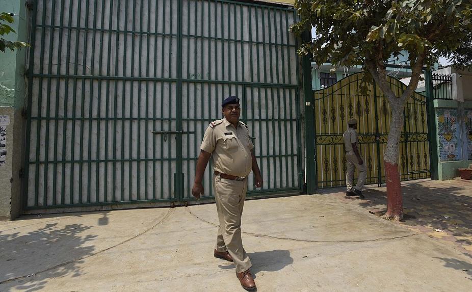 印度3000余名囚犯疫情期间保释后失联 监狱联系警方帮忙追踪