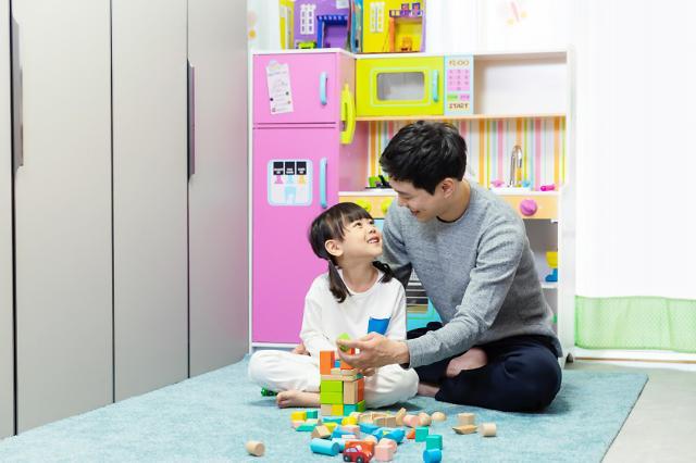 韩国全职爸爸达1.3万人:创历史新高 全职主妇超100万